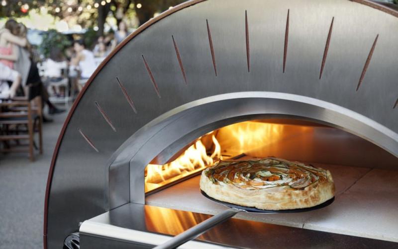 Biesiadowanie z piecem do pizzy (piecem chlebowym). 12